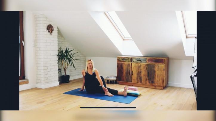 zajęcia z jogi online 32